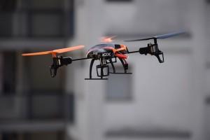 drone-674235_640